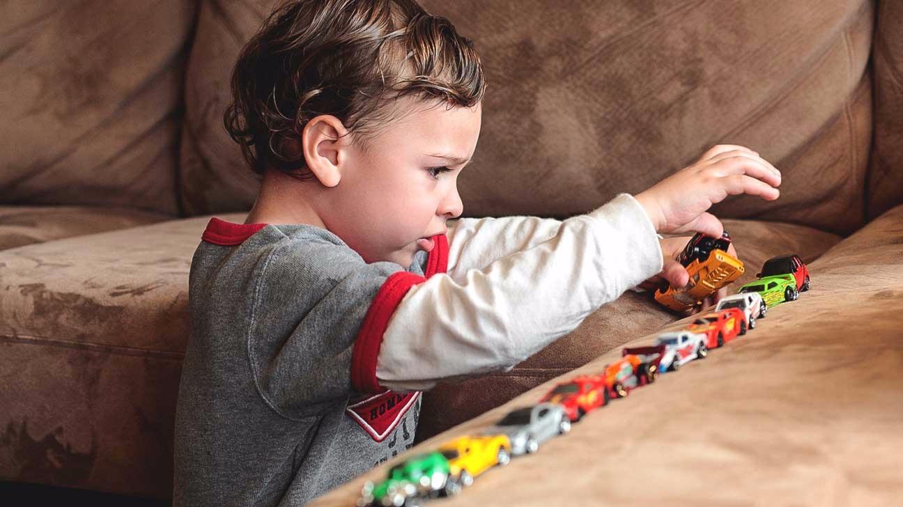 Малыш аутист снятие диагноза