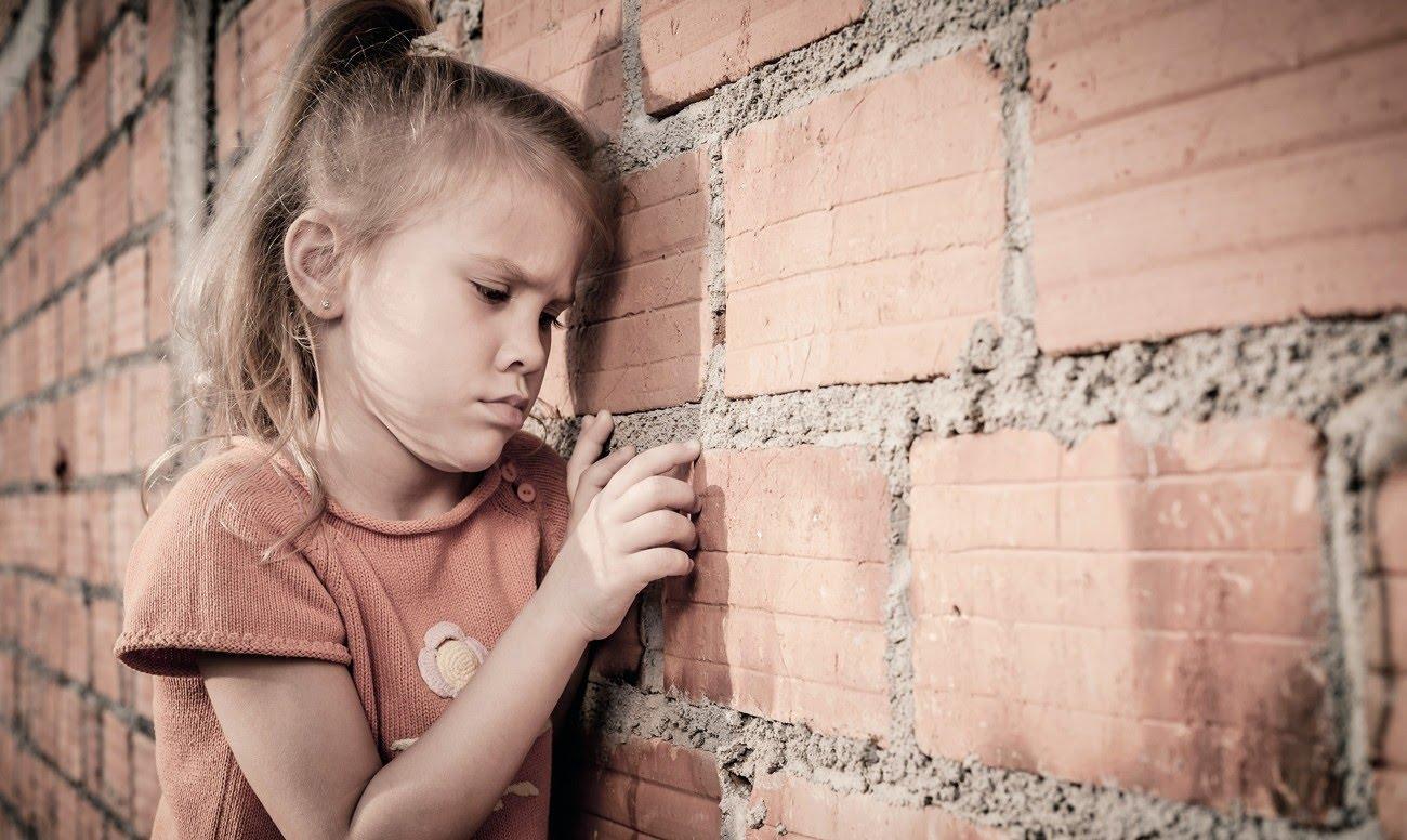 Синдром Дауна и аутизм отличие девочки
