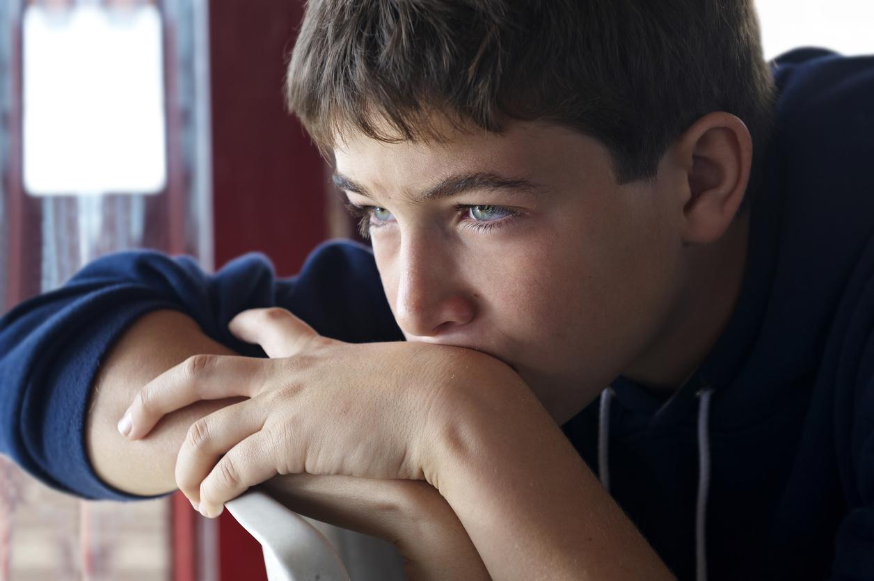 Признаки аутизма у подростков симптомы