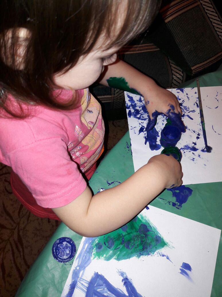 Выражение эмоций в рисунках у малышей фото